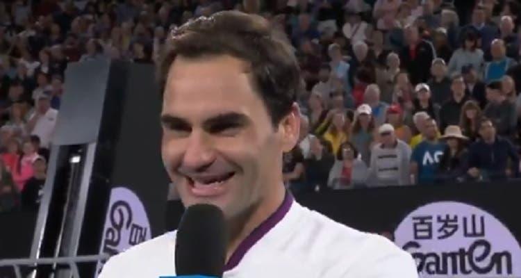 [VÍDEO] Federer divertido: «Já joguei muito ténis, mas nunca contra Tennys»