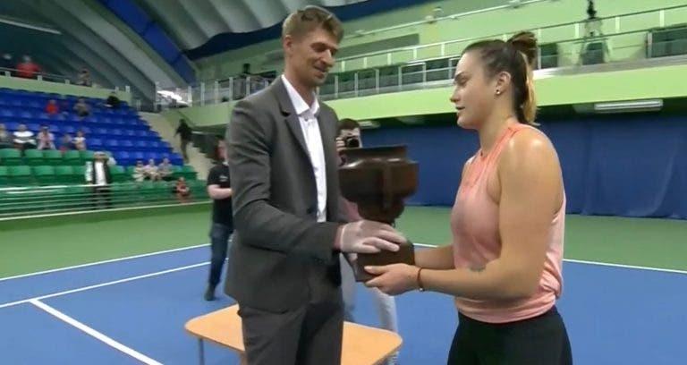 Na Bielorrússia, Sabalenka voltou aos títulos: com árbitro, juízes de linha e público