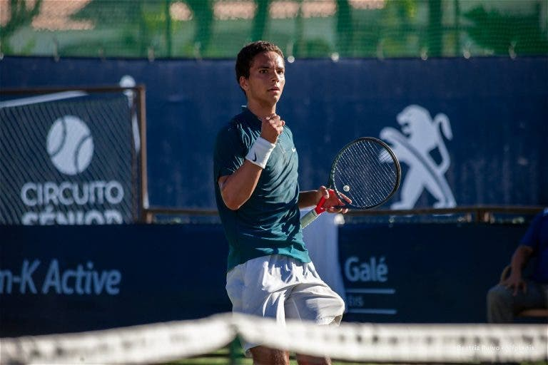Em grande: Pedro Araújo salva match point e derrota ex-top 250 em Loulé
