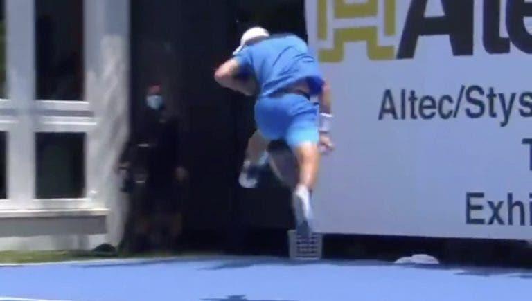 [Vídeo] Hurkacz volta a encantar com ponto INCRÍVEL em torneio de exibição