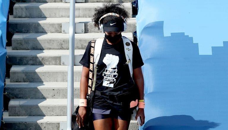 Osaka veste tshirt de protesto no regresso ao torneio de Cincinnati e apura-se para a final