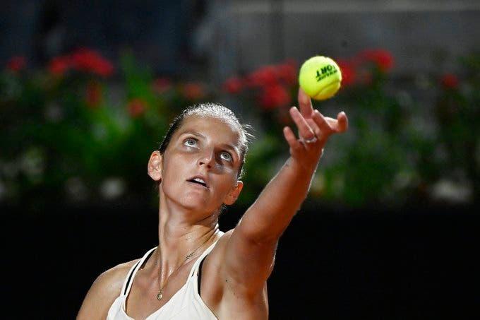 Pliskova mantém viva defesa do título em Roma e defronta compatriota Vondrousova nas 'meias'