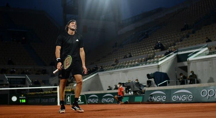 Tsitsipas explica o que se passou no quinto set diante de Djokovic