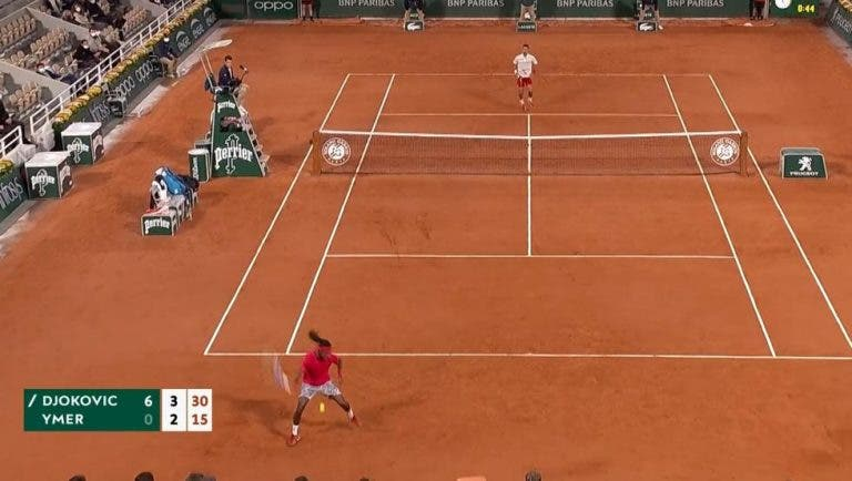 [VÍDEO] Tweener! Ymer faz o 'shot' do torneio contra Novak Djokovic