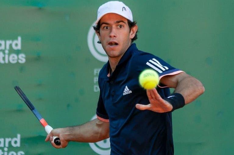 Nuno Borges começa bem, mas cede em três sets e falha 'quartos' em Espanha