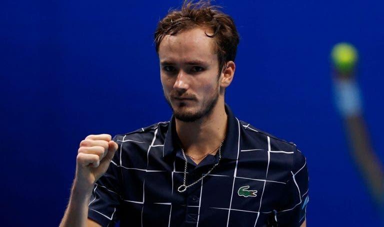 Medvedev já pensa em 2021 após vencer ATP Finals: «Espero continuar a melhorar»