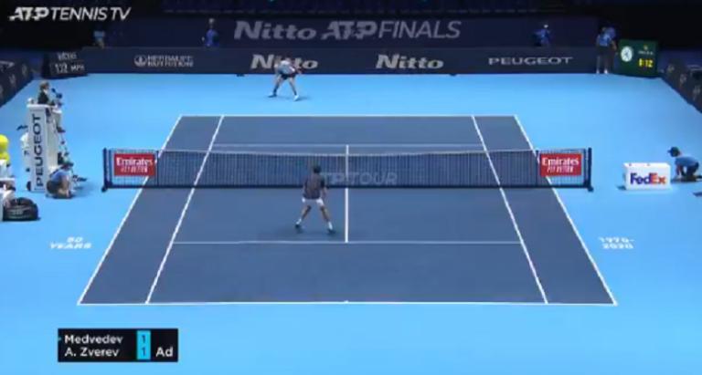 [VÍDEO] Cansa só de ver: Medvedev e Zverev em troca de bolas incrível