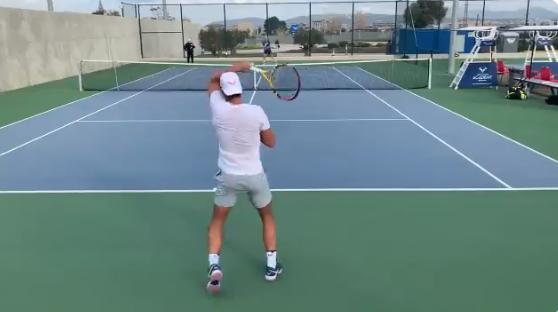[VÍDEO] Nadal treina a alta intensidade com talento do ténis mundial na sua academia