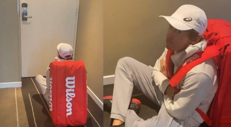 Primeiro dia de treinos em Melbourne arranca com atrasos e cancelamentos e jogadores desesperam