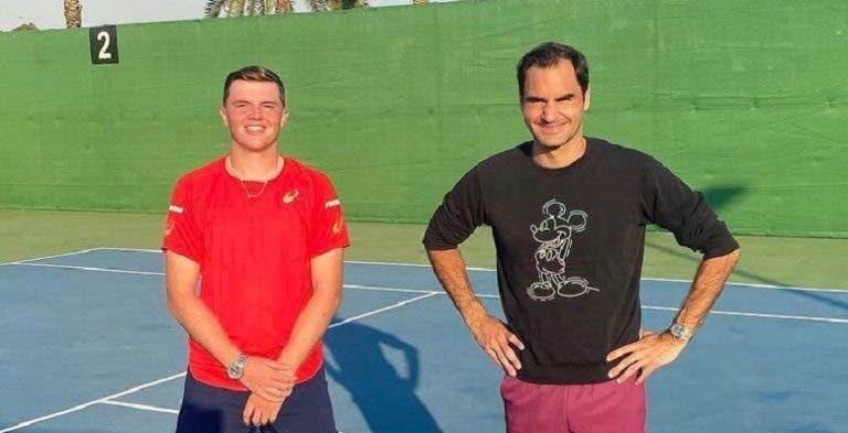 Federer treina com top 3 mundial de juniores no Dubai