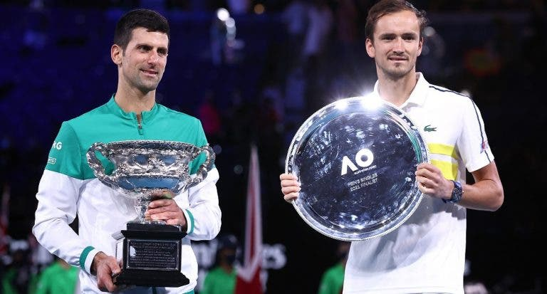Final do Australian Open ainda mexe: «Problema do Medvedev? Djokovic fez um jogo sensacional»