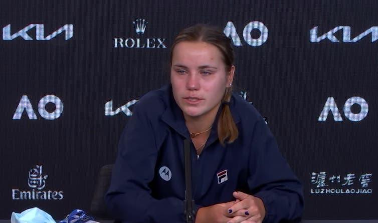 Kenin em lágrimas após falhar defesa do título: «Não aguentei a pressão»