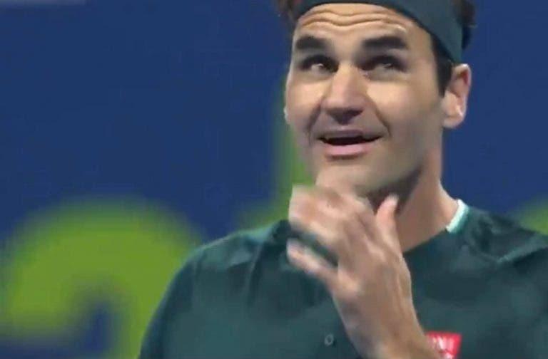 [VÍDEO] Federer falhou set point de forma bizarra e até o próprio se começou a rir