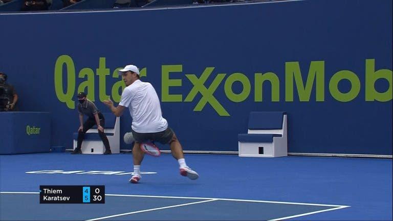 [VÍDEO] Karatsev segue endiabrado e faz o ponto da semana em Doha