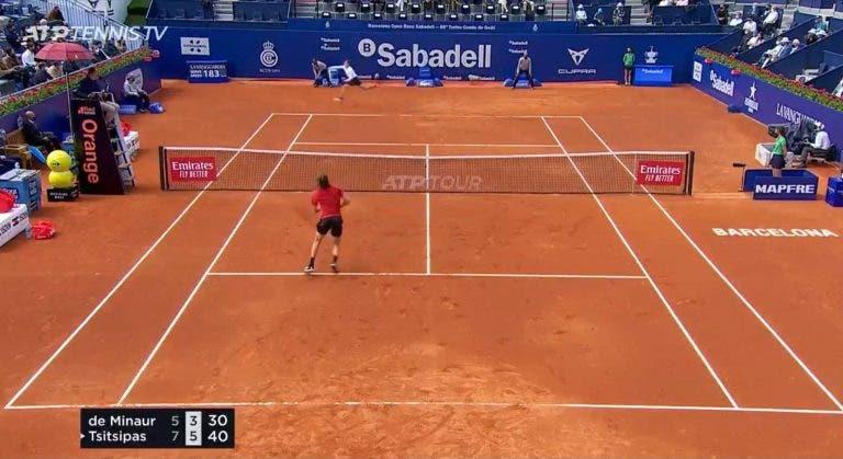 [VÍDEO] De Minaur foi eliminado por Tsitsipas mas salvou um dos melhores match points dos últimos tempos