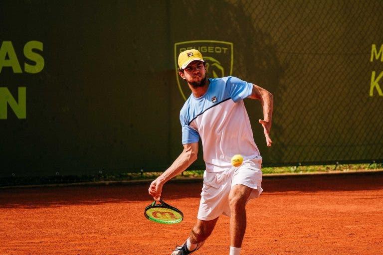 Luís Faria não aproveita break de vantagem nos dois sets e falha quadro principal em Oeiras