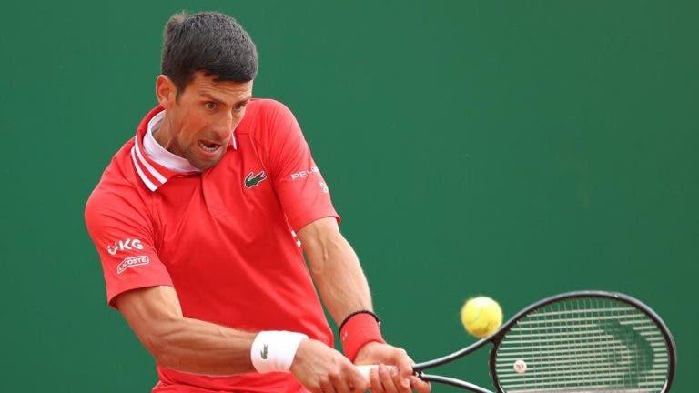 Djokovic implacável passeia no regresso a Belgrado dez anos depois