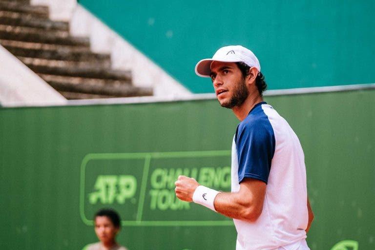 Nuno Borges termina 'vice' em Oeiras após deixar escapar oito set points no segundo set