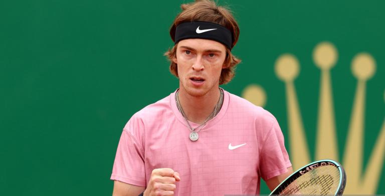 Rublev segue endiabrado e joga final de Monte Carlo contra Tsitsipas