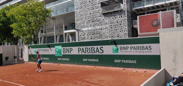 [VÍDEO] De campeão para campeã: Nadal e Swiatek treinaram juntos em Roland Garros