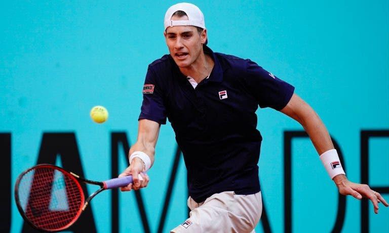 Isner anula match point contra Bautista e tenta salvar ténis norte-americano de registo inédito