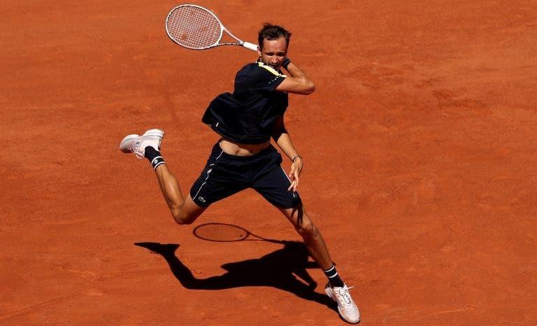 Medvedev confiante: «Quero fazer mais danos em Roland Garros. Estava a ficar maluco!»