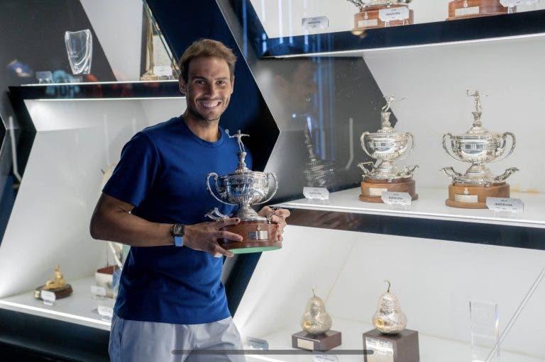 Já chegaram: Nadal recebeu troféus de Barcelona e Roma na Academia