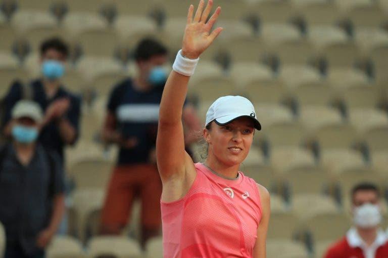 Swiatek continua imparável e dá pneu rumo aos oitavos-de-final em Roland Garros