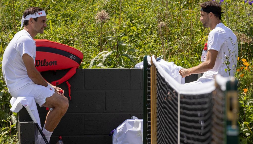[VÍDEO] Roger Federer já treina em Wimbledon