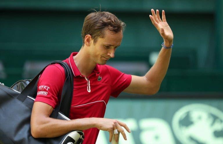 Medvedev saiu bem cedo de Halle e faz as malas para ir jogar em… Maiorca