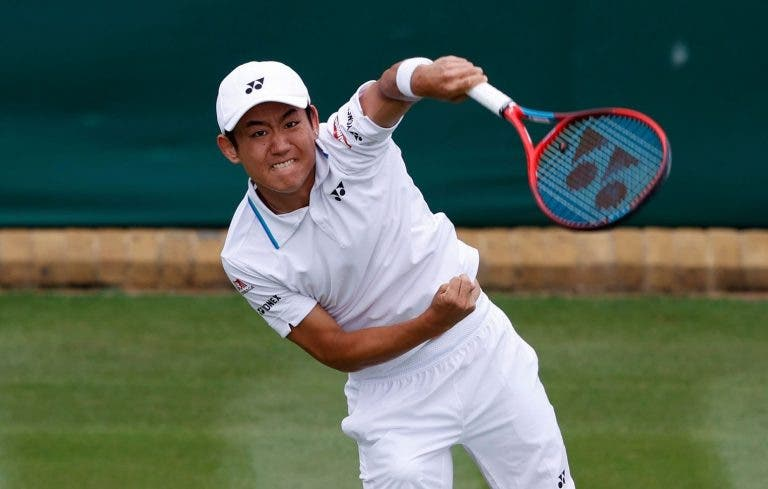 'David' Nishioka abate 'Golias' Isner, Carreño e Ruud também dizem adeus a Wimbledon