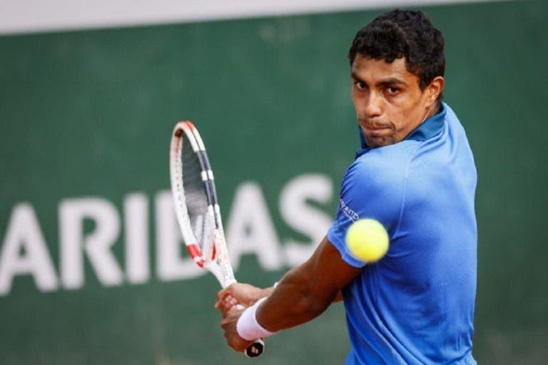 Thiago Monteiro luta muito mas cai após batalha de quase quatro horas em Roland Garros