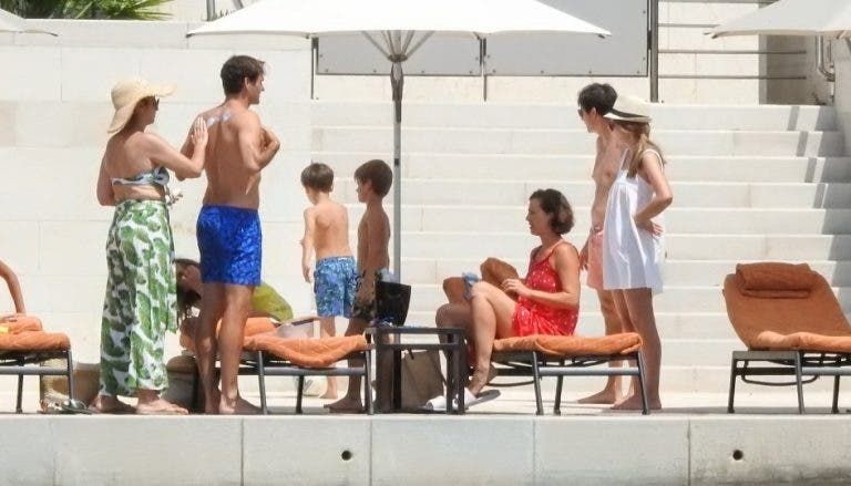 Longe dos Jogos Olímpicos, Federer relaxa com a família… na Croácia