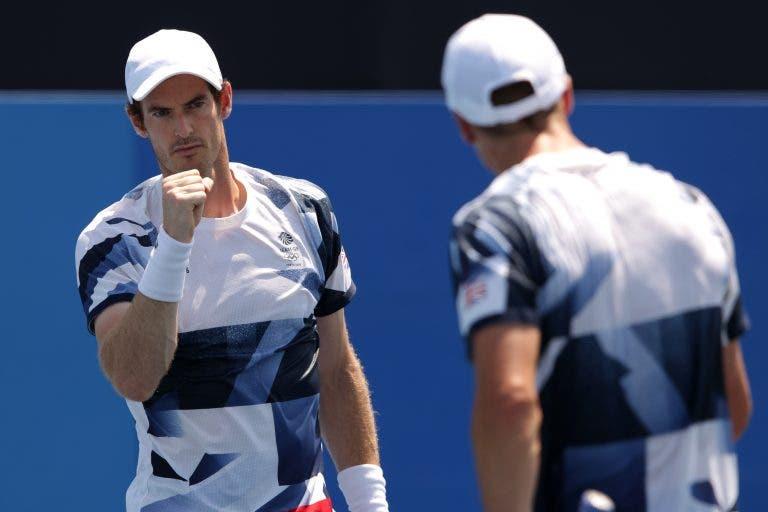 Andy Murray quer mais ouro e já está nos 'quartos' de pares em Tóquio