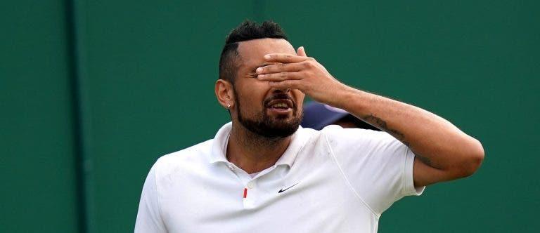 Kyrgios desespera: «Isto nem é relva a sério! Parece que estou a jogar em Roland Garros»