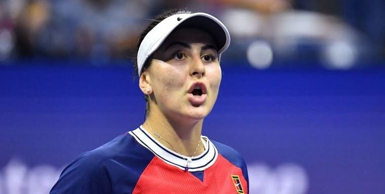 Andreescu chama o médico e sofre mas regressa ao US Open com vitória
