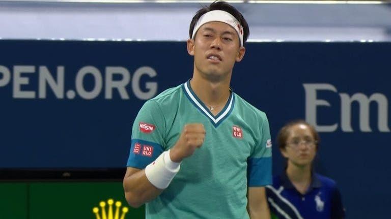 Nishikori vence o 27.º quinto set da carreira em encontro de loucos e Sinner marca duelo com Monfils