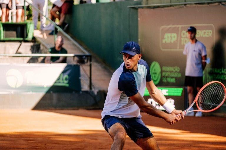 Nuno Borges luta mas não consegue resistir na primeira ronda do Braga Open