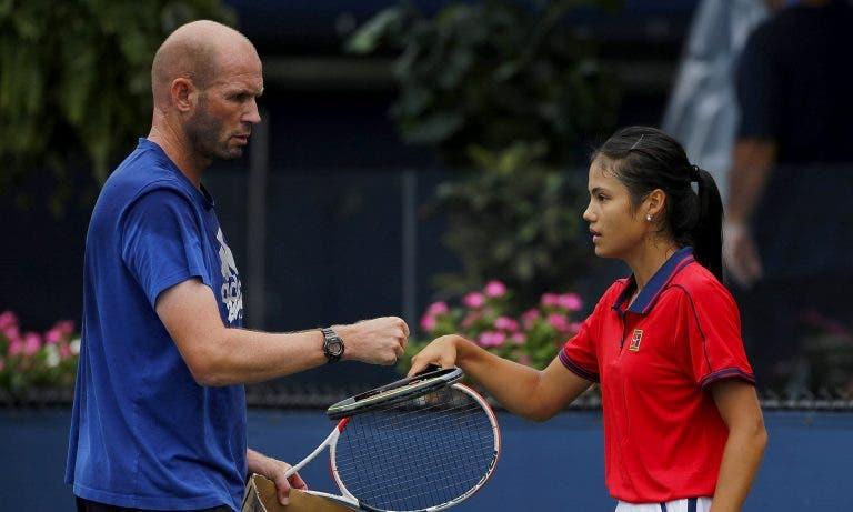 Raducanu despede treinador após ganhar o US Open: «Preciso de alguém mais experiente»