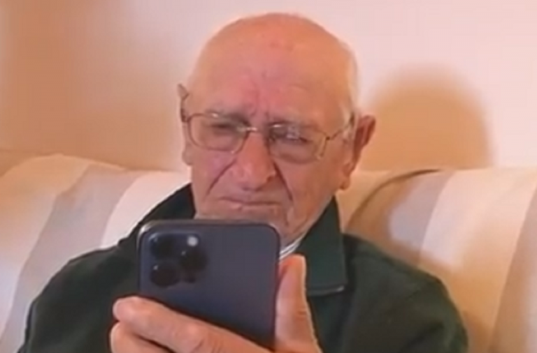 Impossível não ficar emocionado: Nadal deu os parabéns a fã de 90 anos que ficou em lágrimas